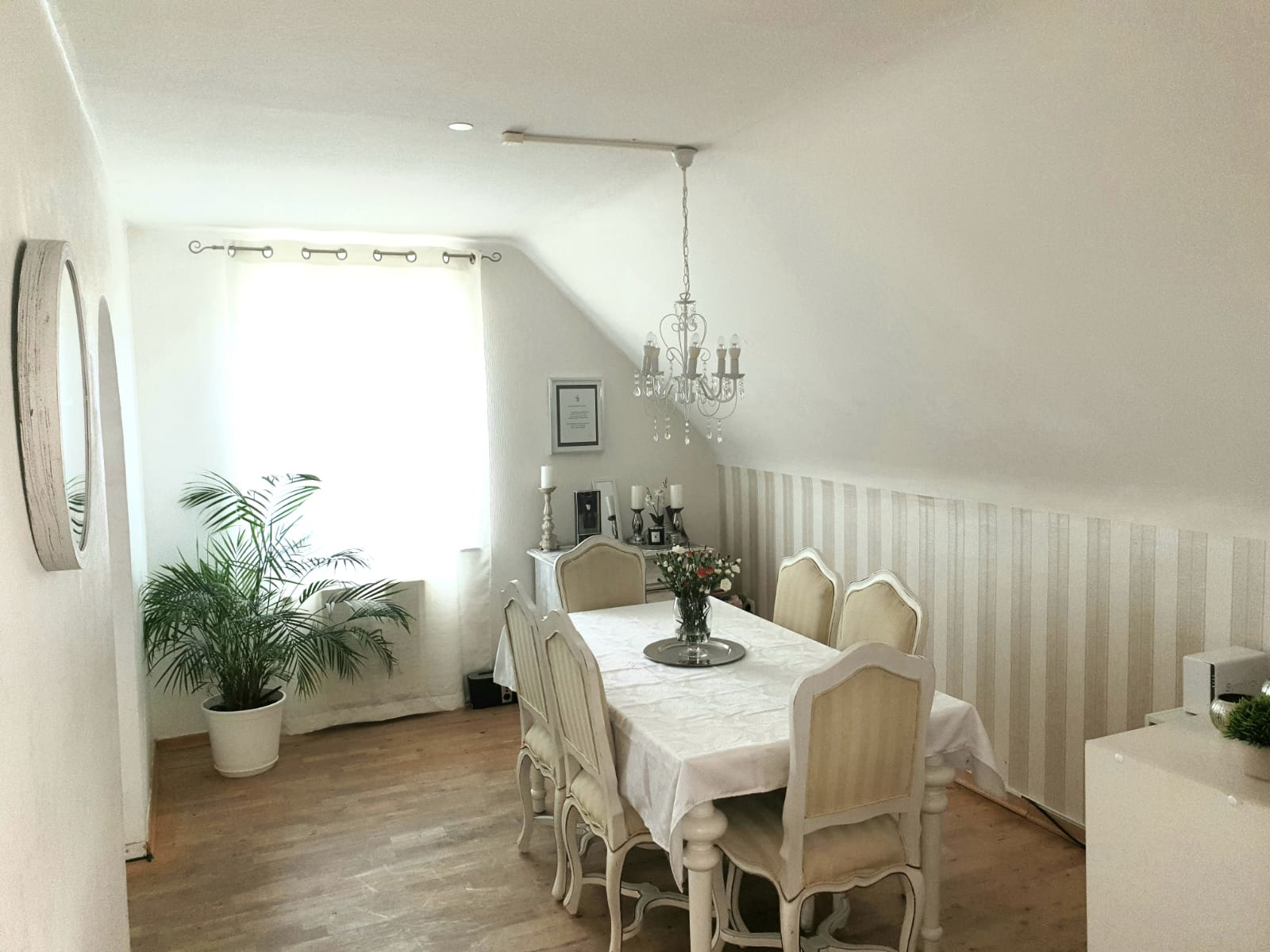 Essbereich-Maisonette Wohnung