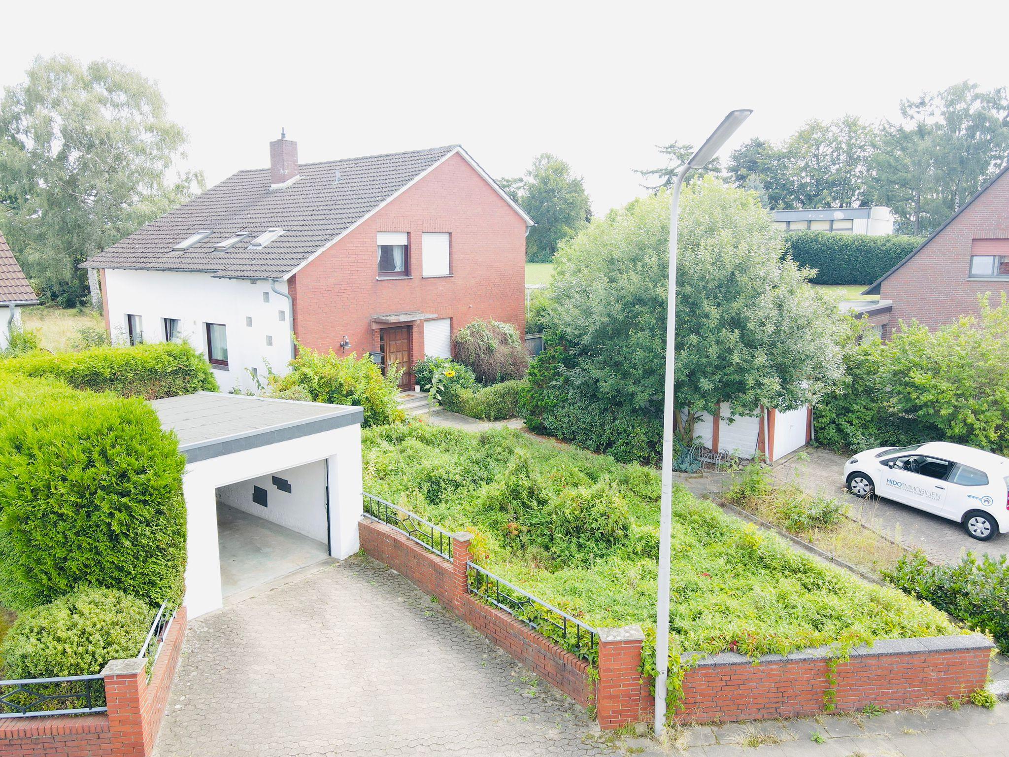 Reizendes 2-Familienhaus mit beachtlichem Grundstück In Minden-Dankersen.