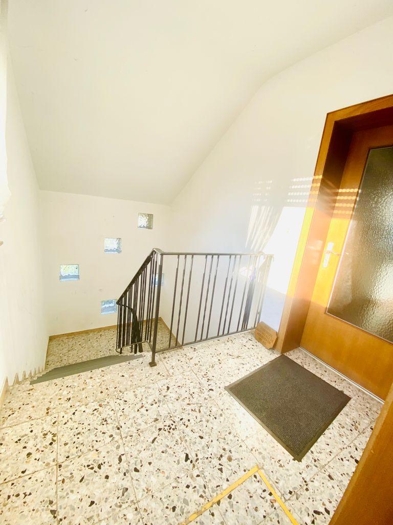 Treppenhaus Ansicht  Zweifamilienhaus